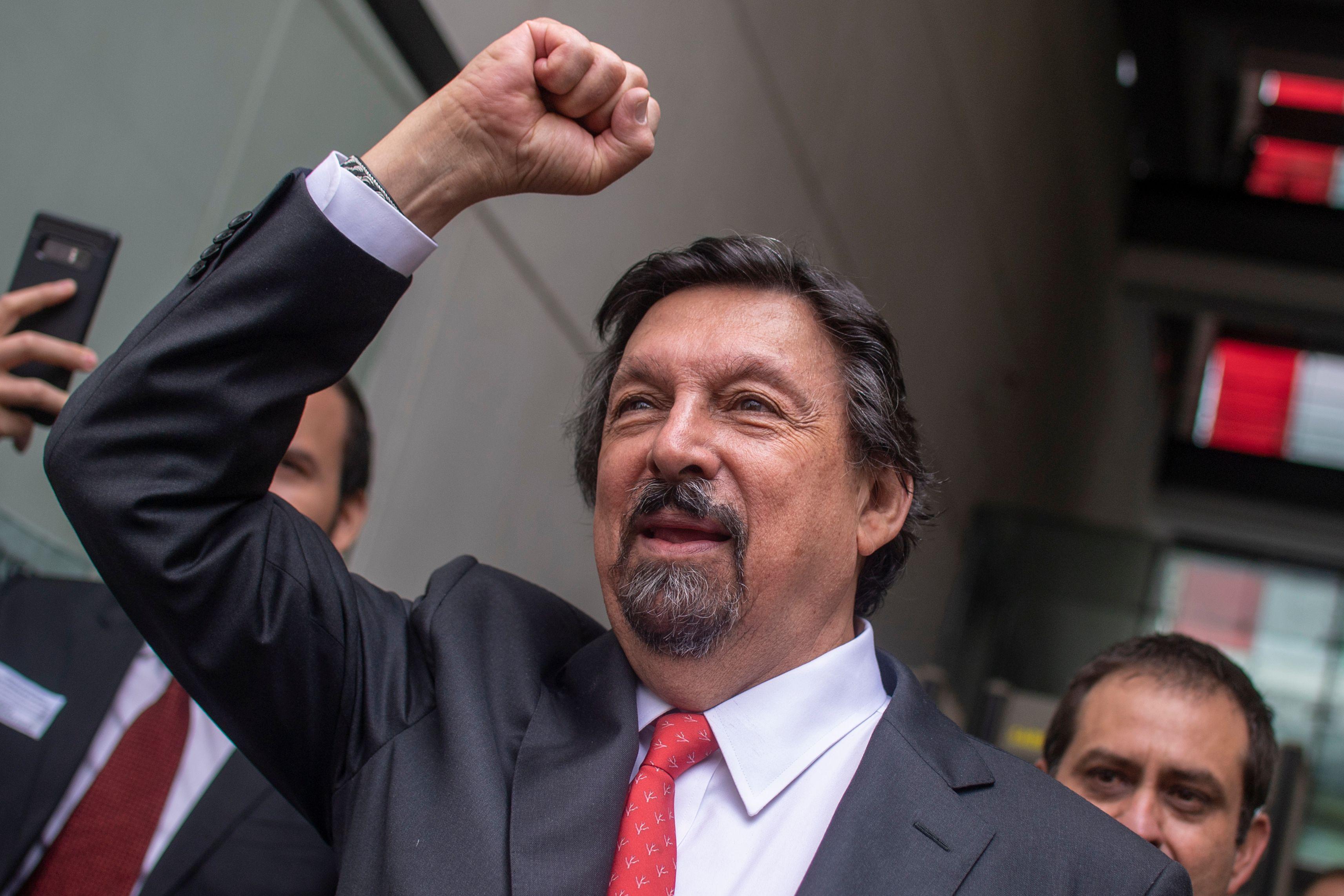 السناتور المكسيكي نابليون غوميز يوروتيا