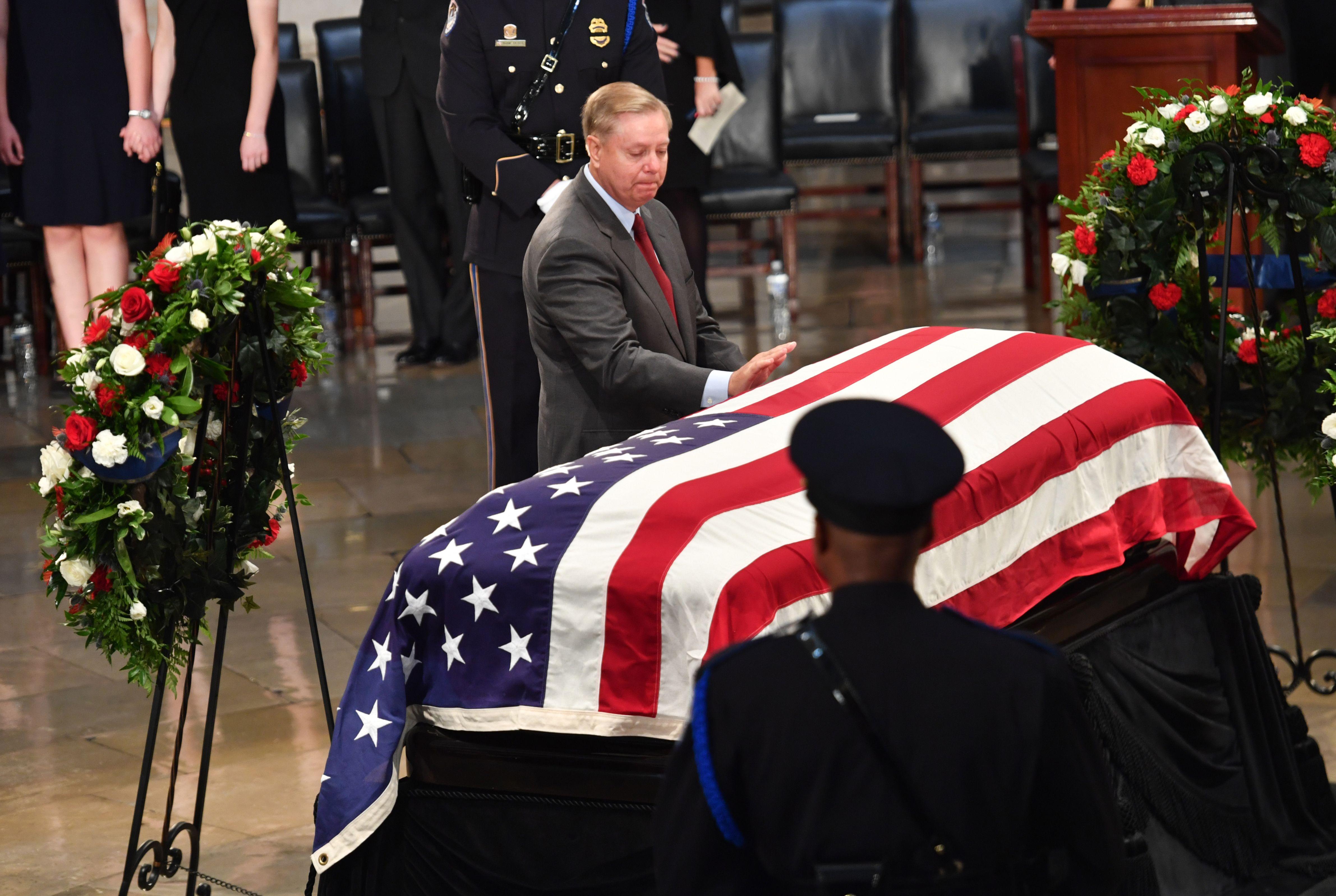 جثمان ماكين داخل الكونجرس الأمريكى