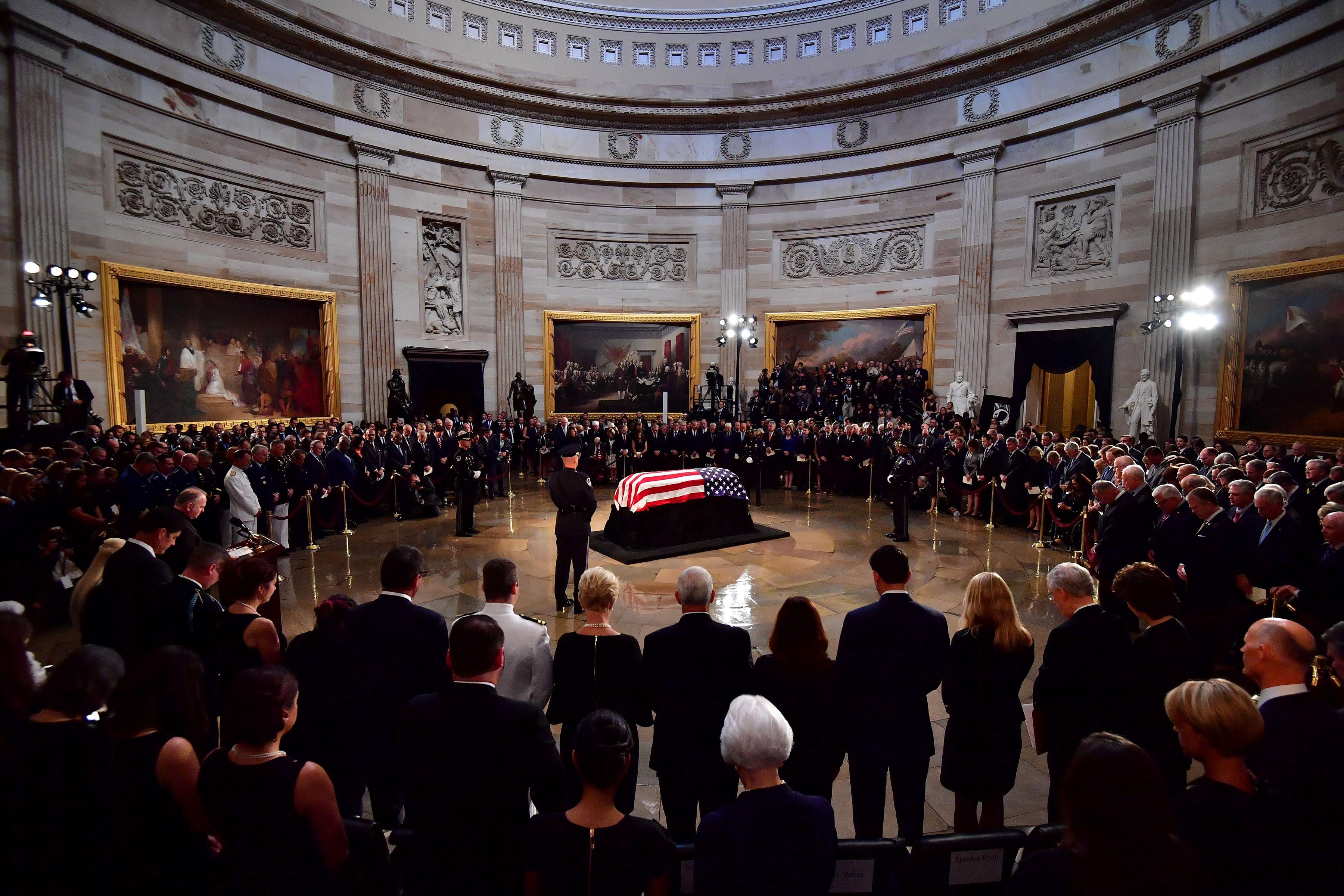 جثمان جون ماكين بالكونجرس الأمريكى