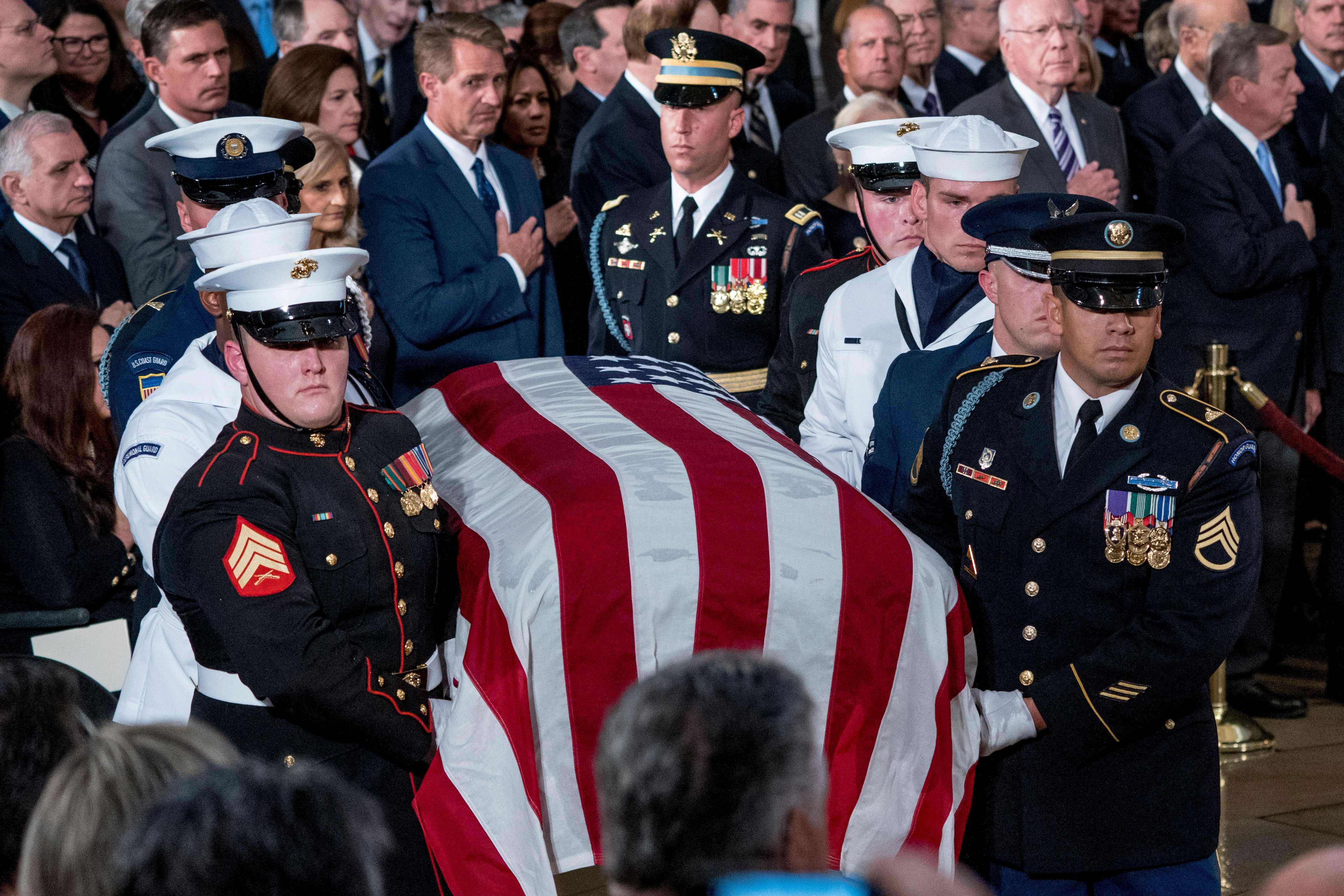 جثمان السيناتور الأمريكى جون ماكين
