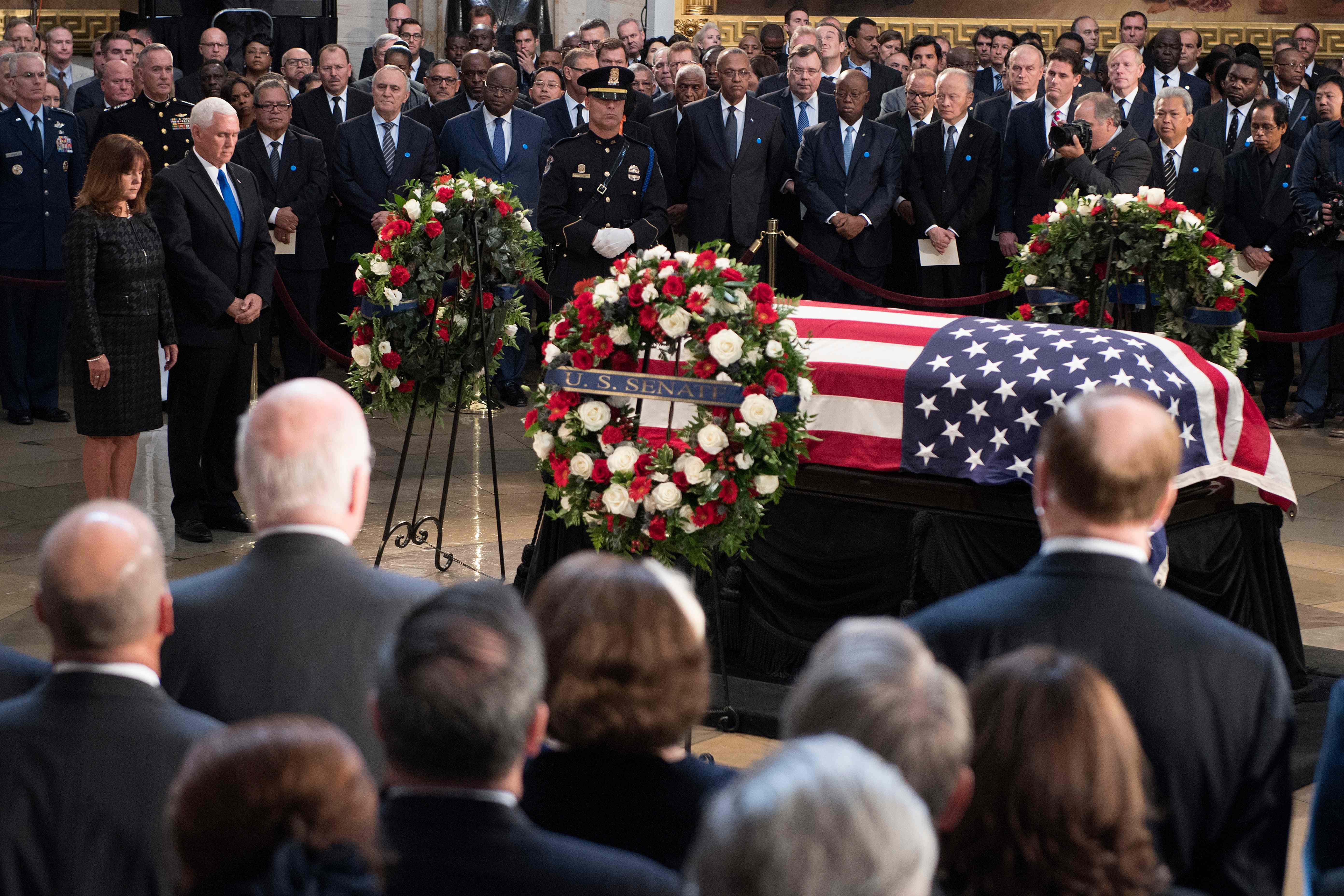 الجثمان داخل السيناتور الأمريكى