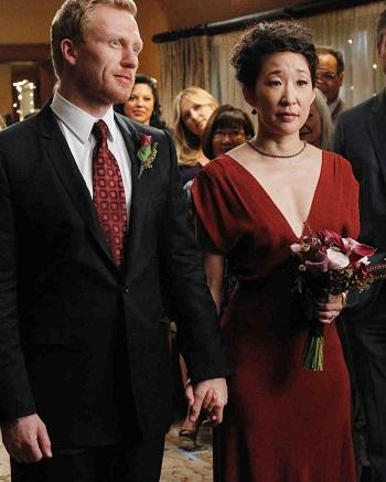 فستان زفاف أحمر فى مسلسل جرايز اناتومى