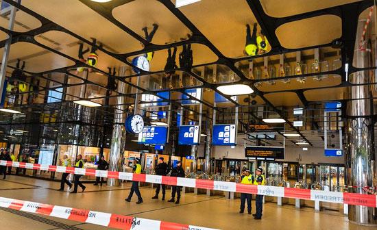 168139-الشرطة-تغلق-محطة-قطار-امستردام