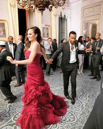 فستان زفاف العارضة كريسى تيجن
