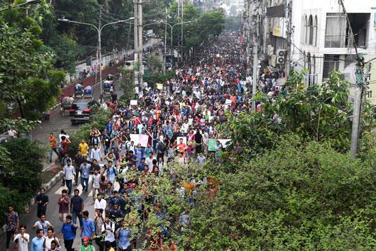 احتجاجات عارمة