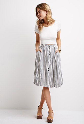أزياء - التنورة المتوسطة مع التى شيرت القطن