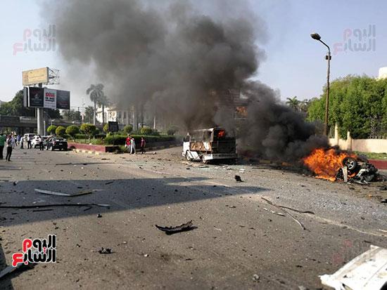 انفجار سيارتين فى مطلع كوبرى اكتوبر (29)