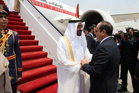 الرئيس السيسى يستقبل محمد بن زايد بمطار القاهرة (5)