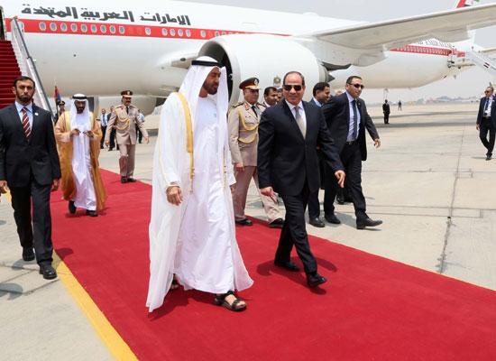 الرئيس السيسى يستقبل محمد بن زايد بمطار القاهرة (6)