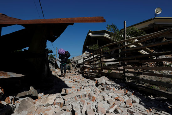 جانب من أضرار الزلزال
