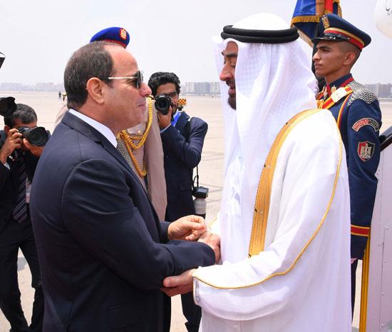 الرئيس السيسى يستقبل محمد بن زايد بمطار القاهرة (8)