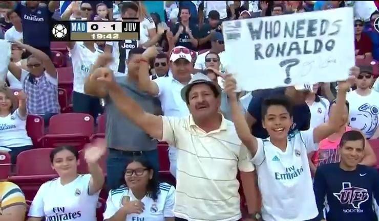 لافتة ريال مدريد