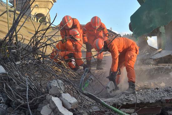 أعمال عمال الإنقاذ الإندونيسيين