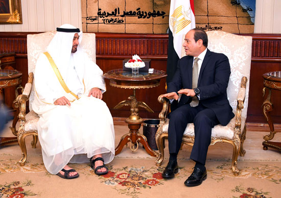 الرئيس السيسى يستقبل محمد بن زايد بمطار القاهرة (10)
