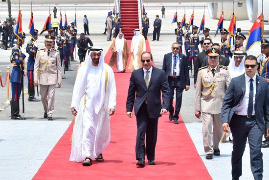 الرئيس السيسى يستقبل محمد بن زايد بمطار القاهرة (4)