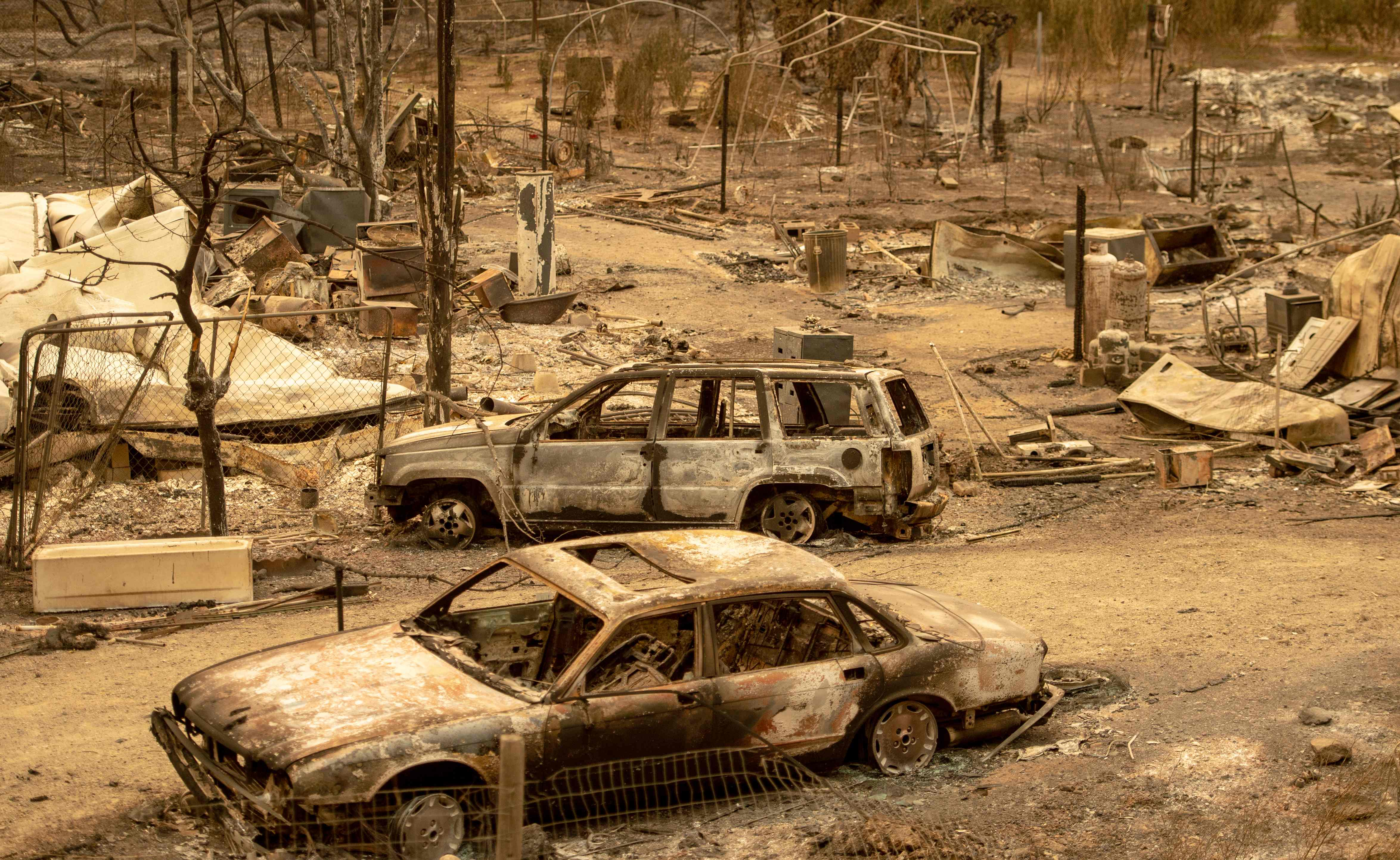 أثار الحرائق المدمرة