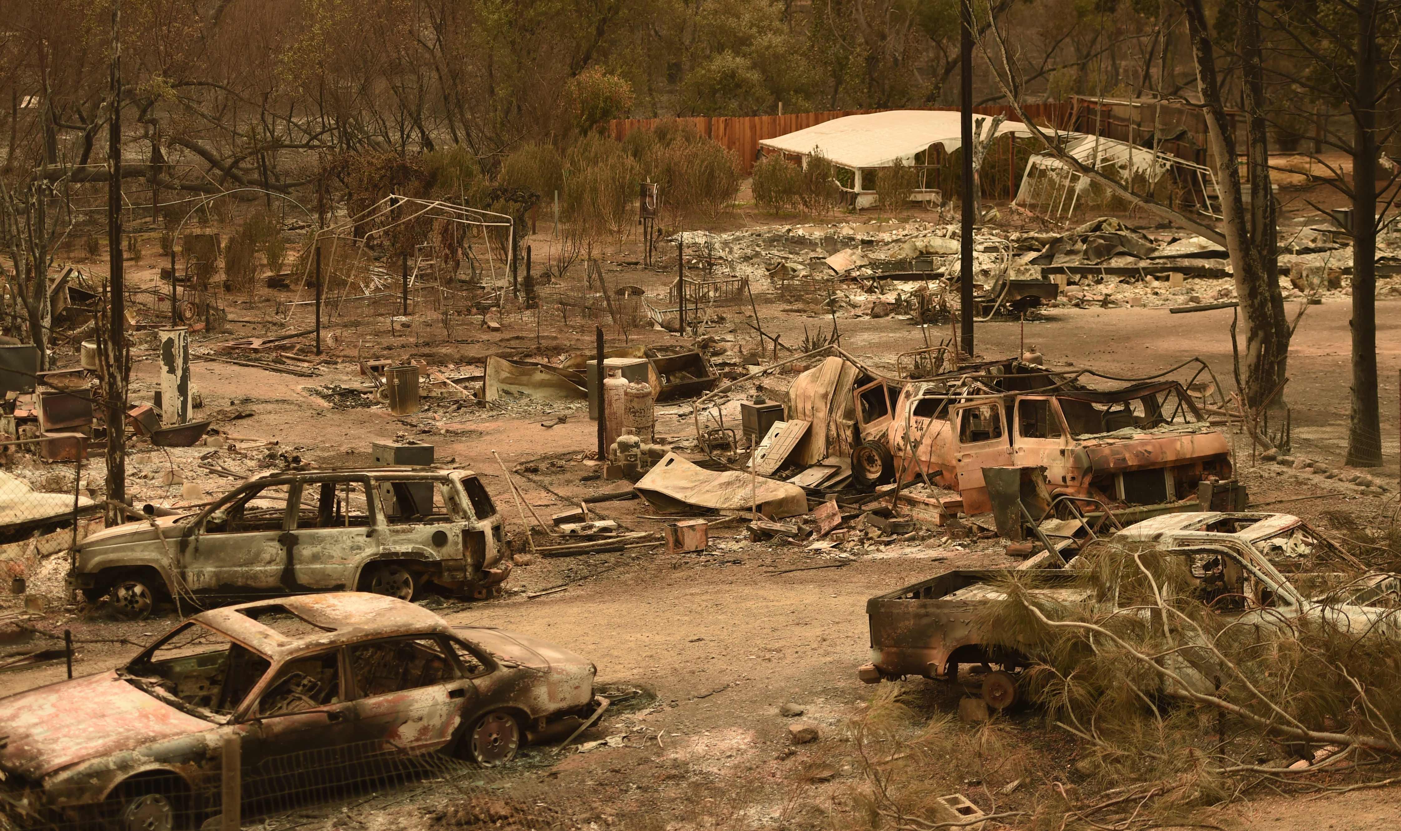 سيارات ومنازل أكلتها النيران