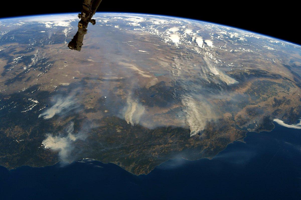 تصوير جوى لحرائق الغابات فى كاليفورنيا