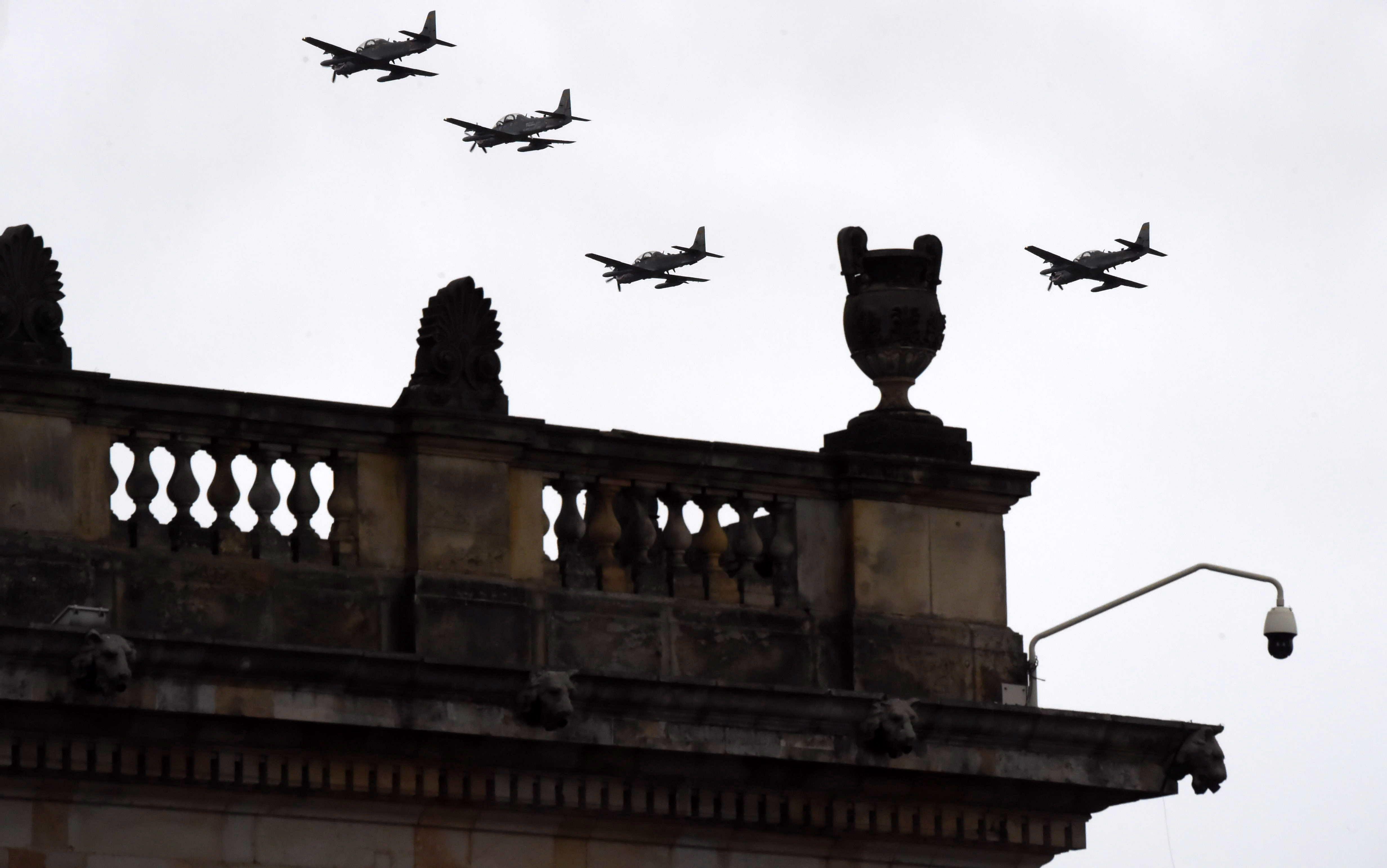 تحليق طائرات الجيش الكولمبى