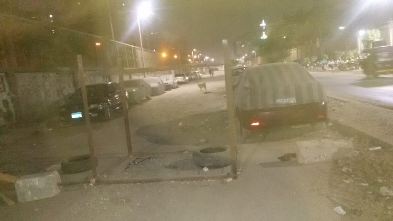 غلق شارع فى المطرية وتاجيره  الى ساحة انتظار سيارات  (3)