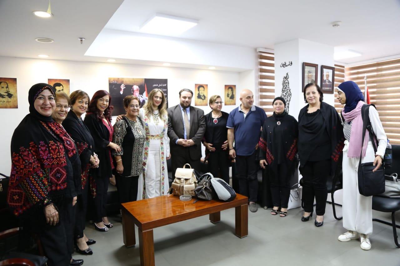 سفارة فلسطين تستقبل دلال أبو أمنة (5)