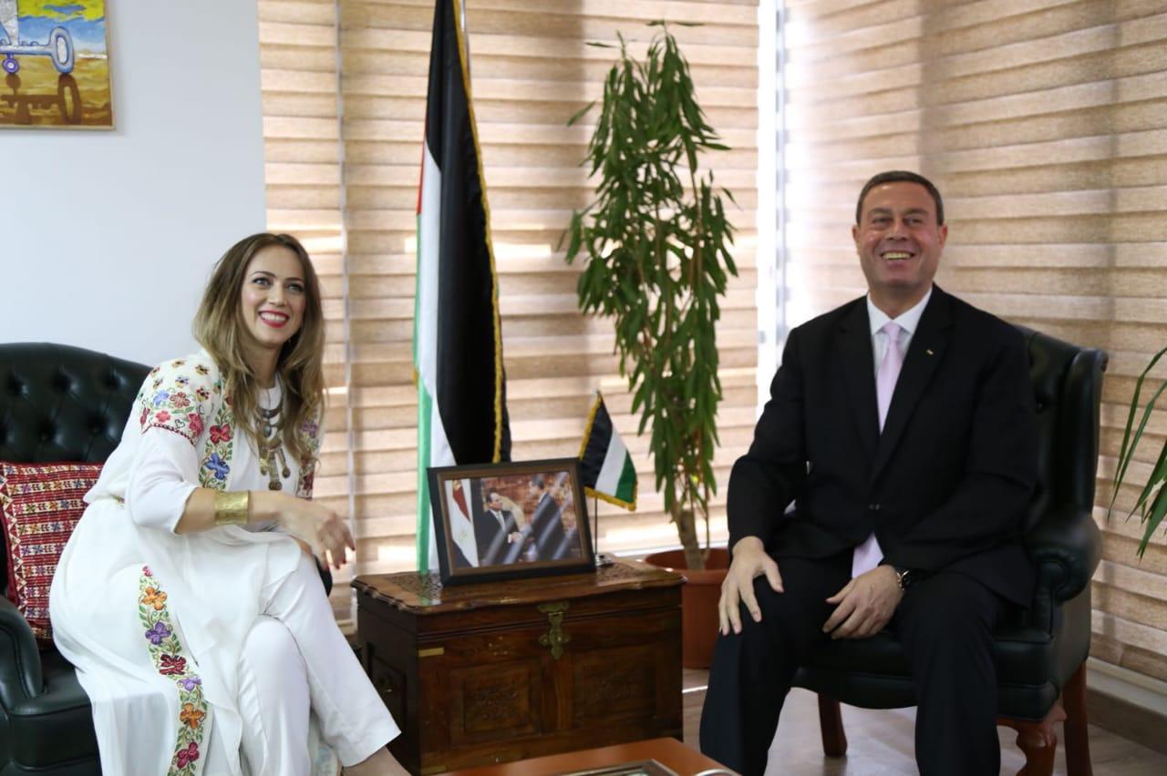 سفارة فلسطين تستقبل دلال أبو أمنة (2)