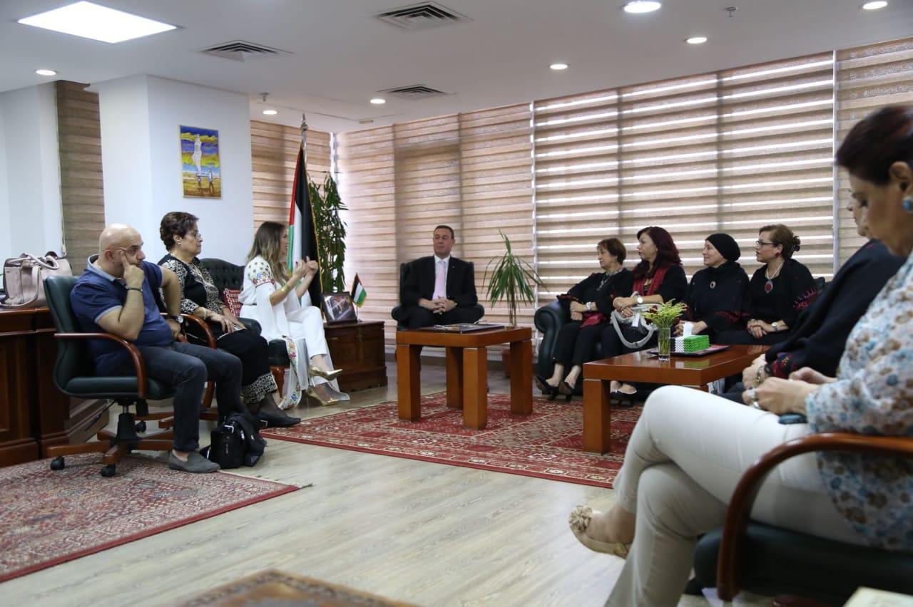سفارة فلسطين تستقبل دلال أبو أمنة (7)