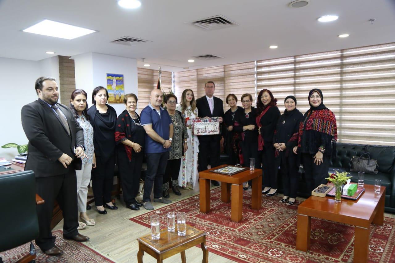 سفارة فلسطين تستقبل دلال أبو أمنة (8)