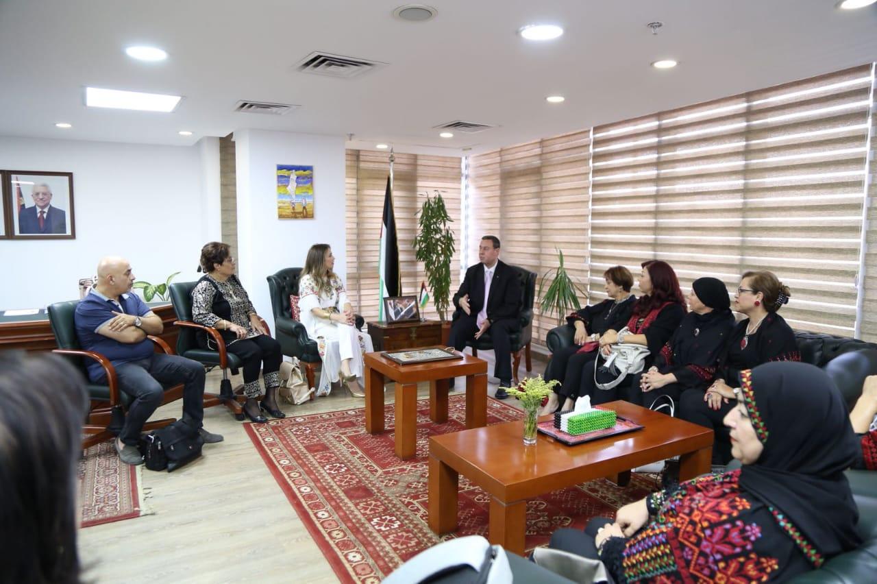 سفارة فلسطين تستقبل دلال أبو أمنة (4)