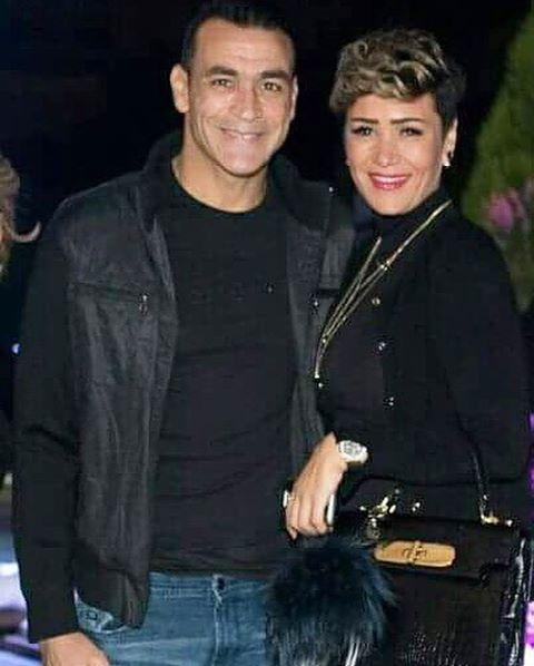 الحضرى وزوجته