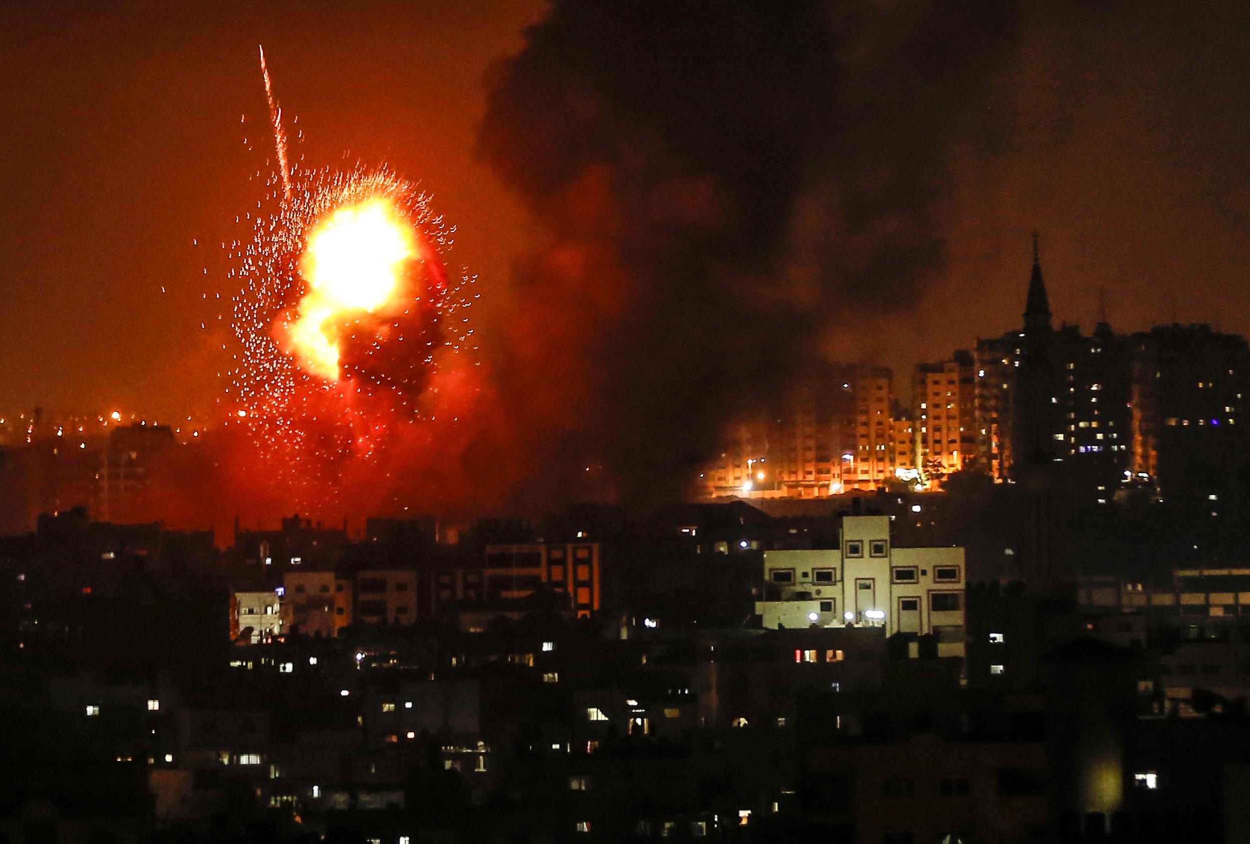 جانب من القصف الإسرائيلي