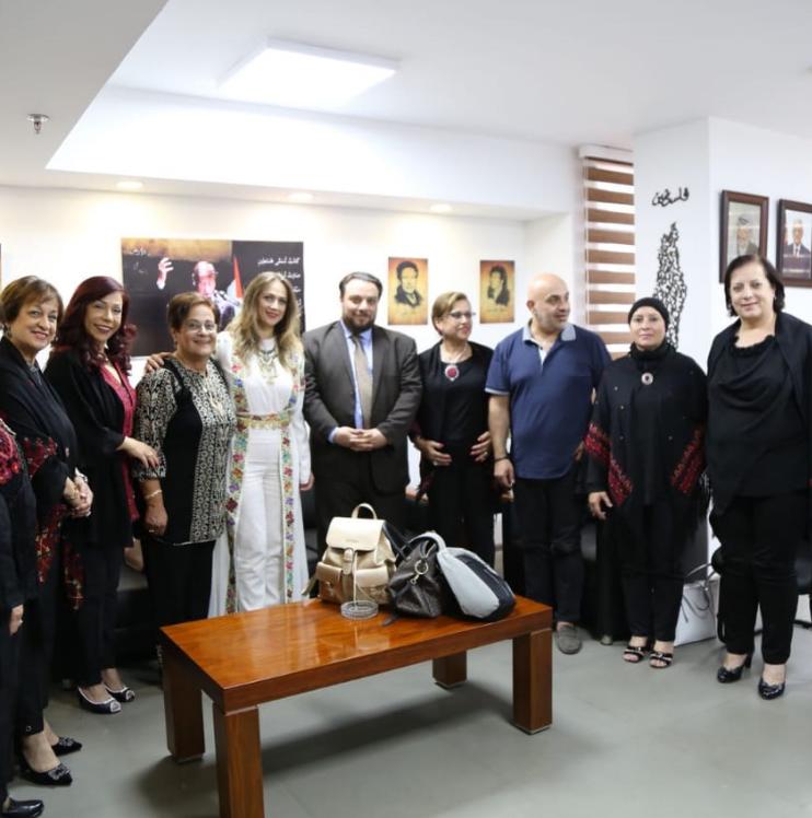 سفارة فلسطين تستقبل دلال أبو أمنة (1)