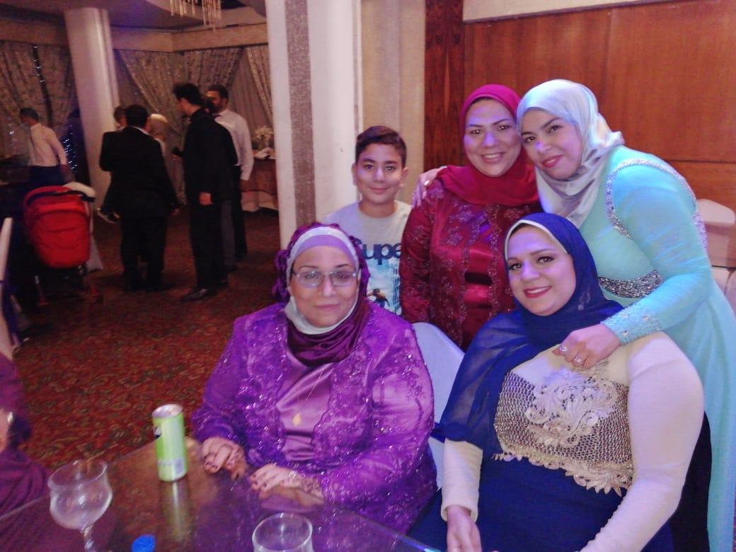 والدة العروسة على هامش الحفل
