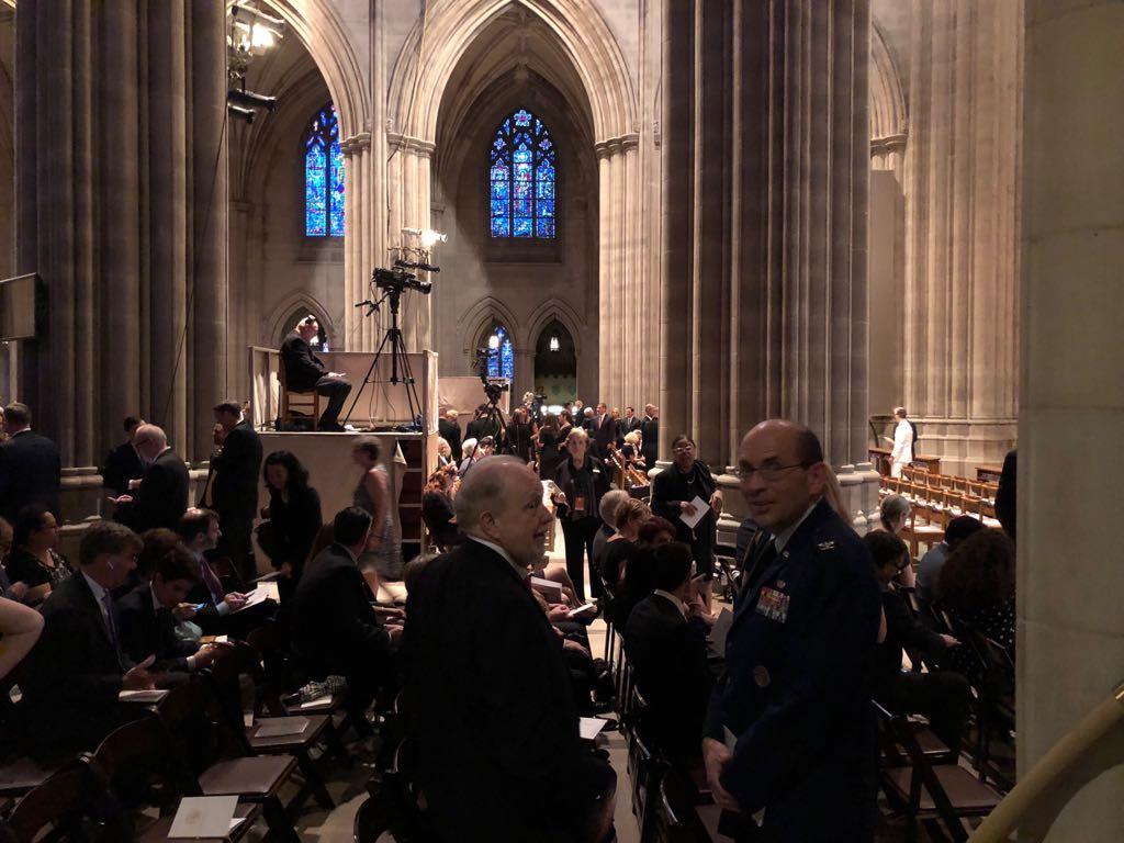 داخل كاتدرائية تأبين ماكين فى واشنطن (4)