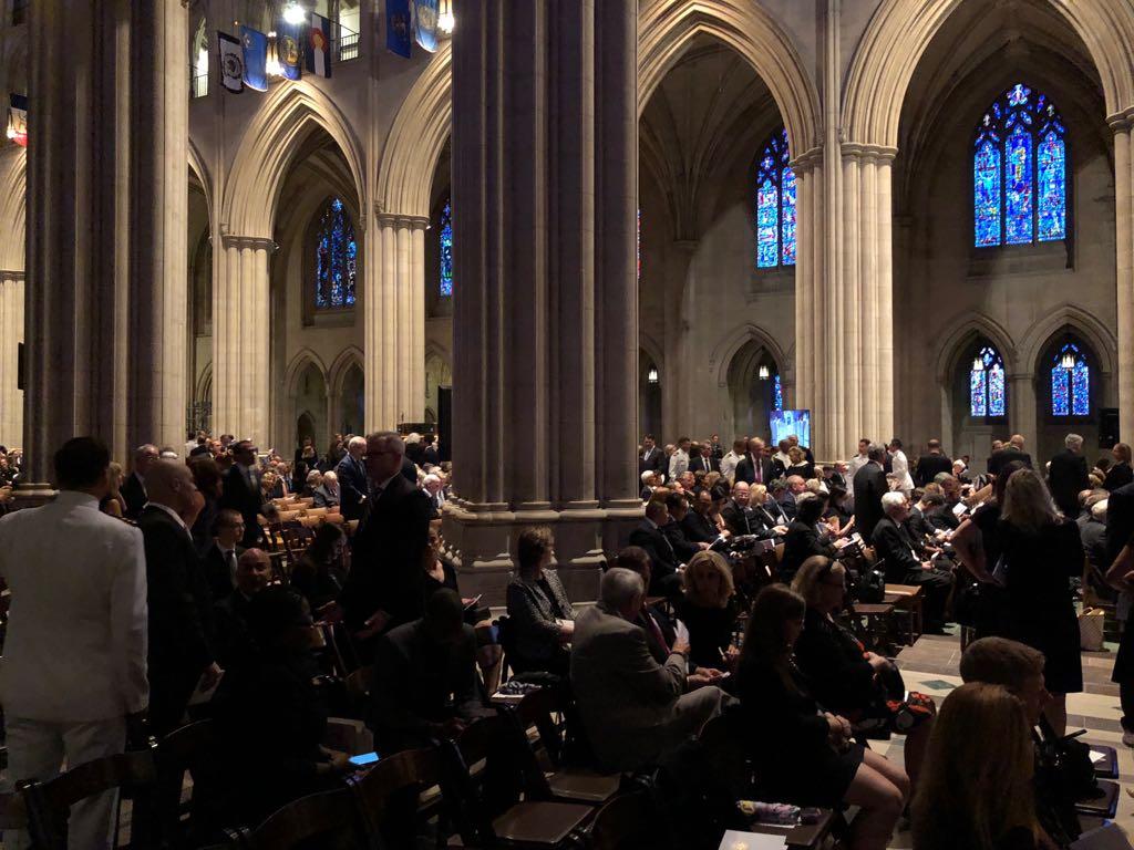 داخل كاتدرائية تأبين ماكين فى واشنطن (6)