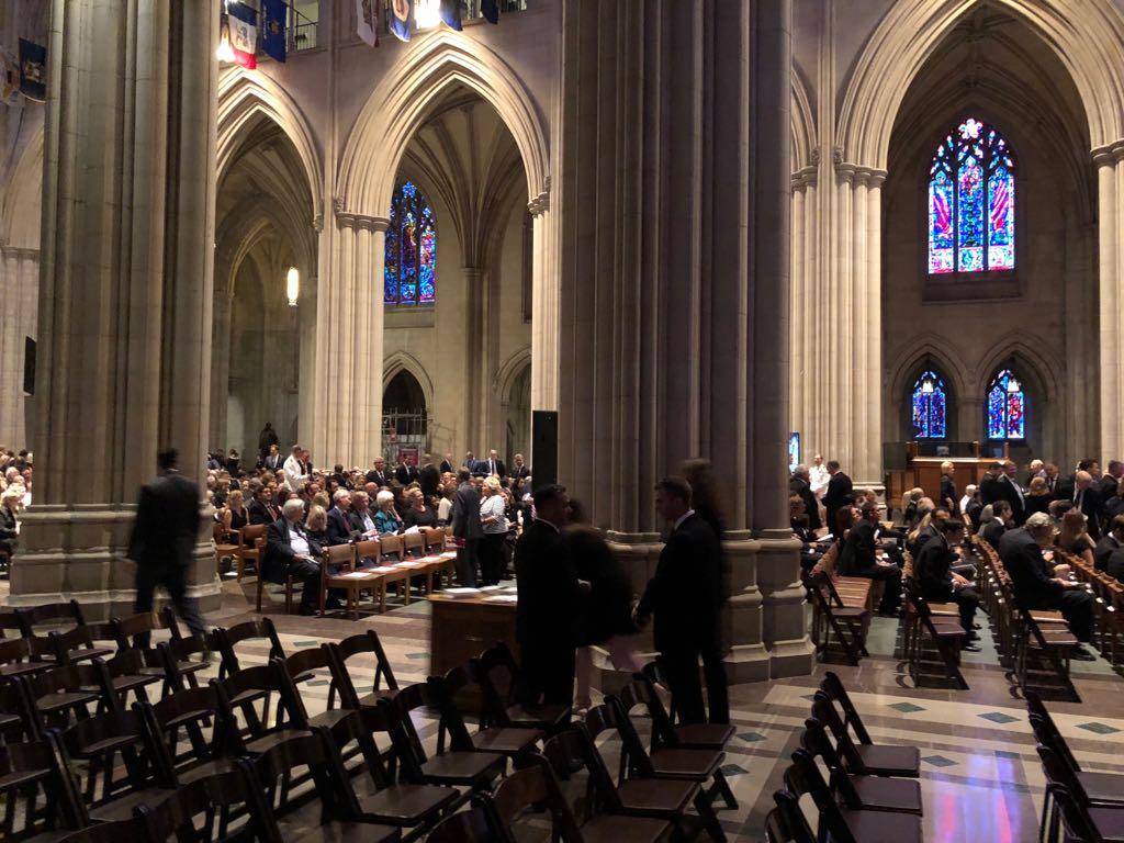 داخل كاتدرائية تأبين ماكين فى واشنطن (1)