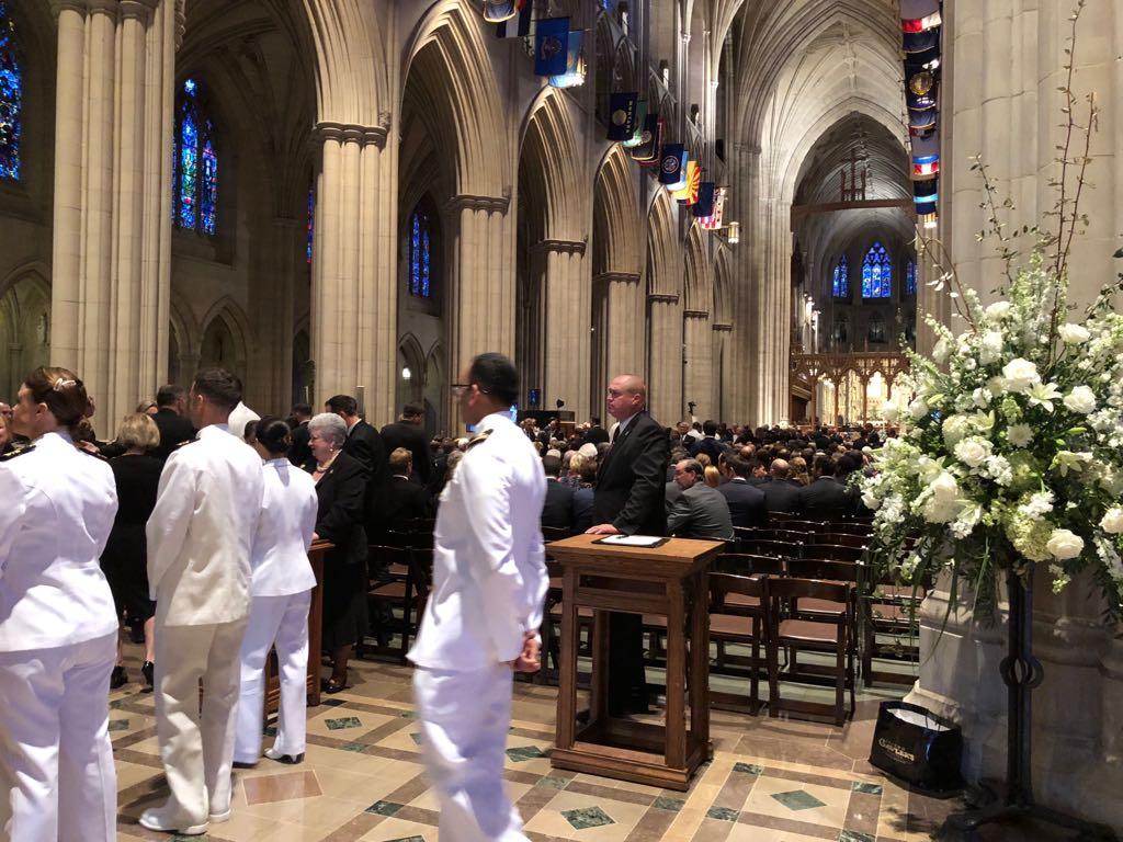 داخل كاتدرائية تأبين ماكين فى واشنطن (3)