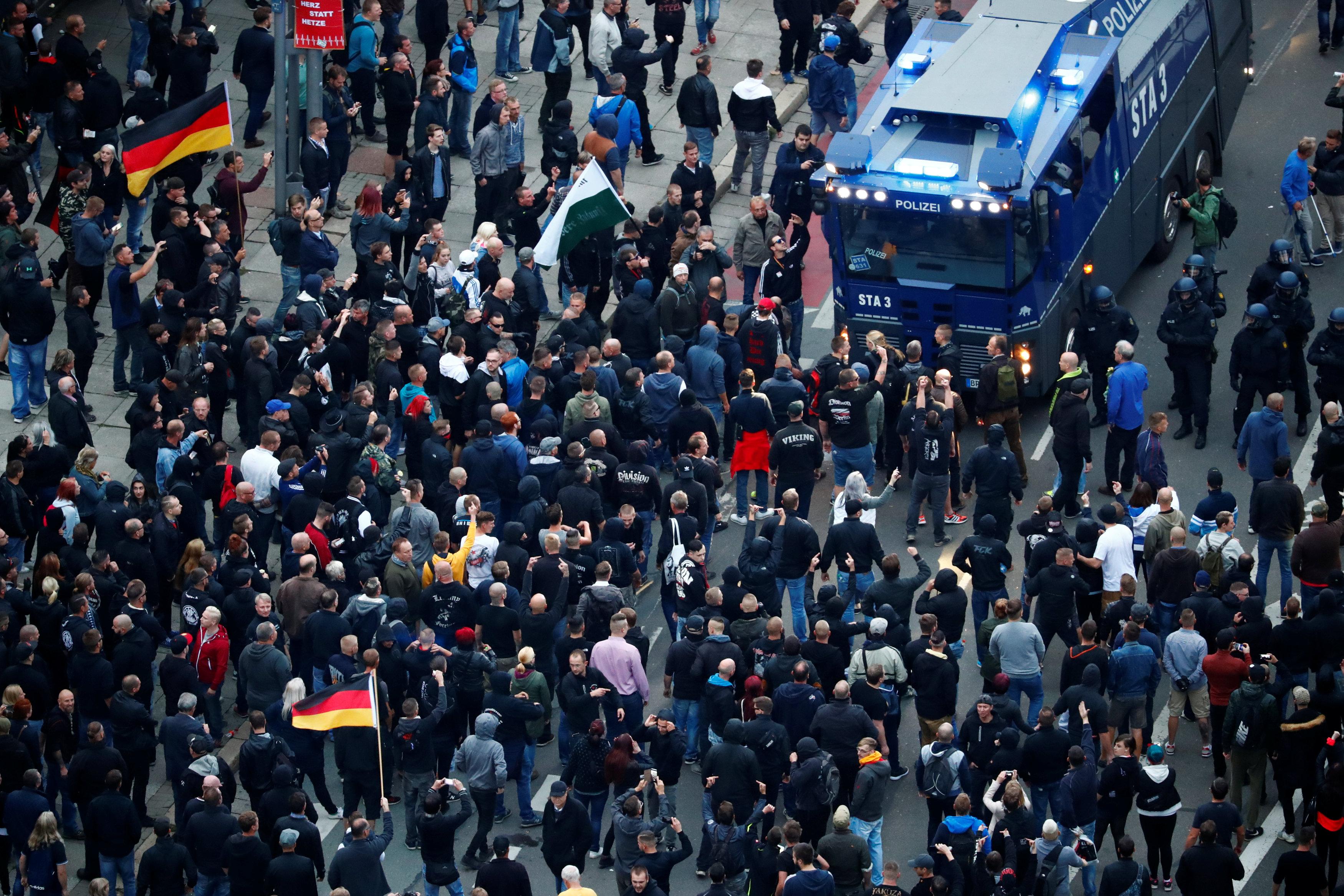 جانب من وسائل قمع الشرطة الألمانية