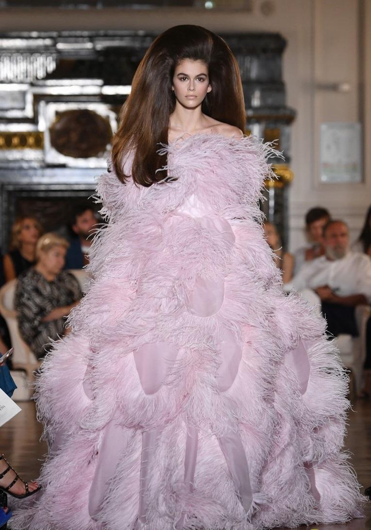 0dc2dd05e أخر كلام | نجمة ارتدت نفس تصميم فستان ليدى جاجا فى يوليو الماضى.. تعرف عليها