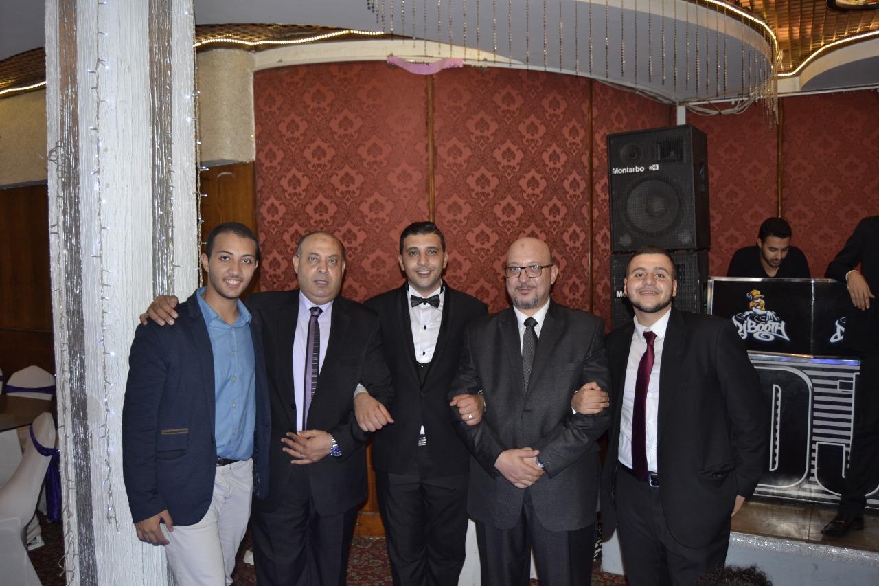 النقيب أحمد حمال مع كلا من الأستاذ محمد عبد الواحد والأستاذ عبد القادر عبد الواحد
