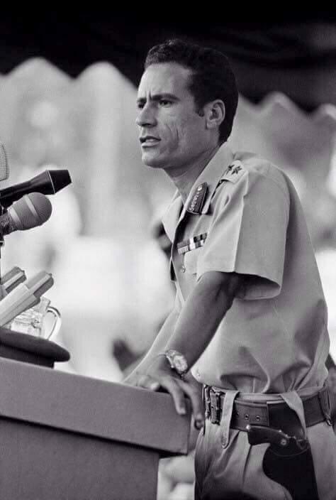 الرئيس الليبى السابق معمر القذافى