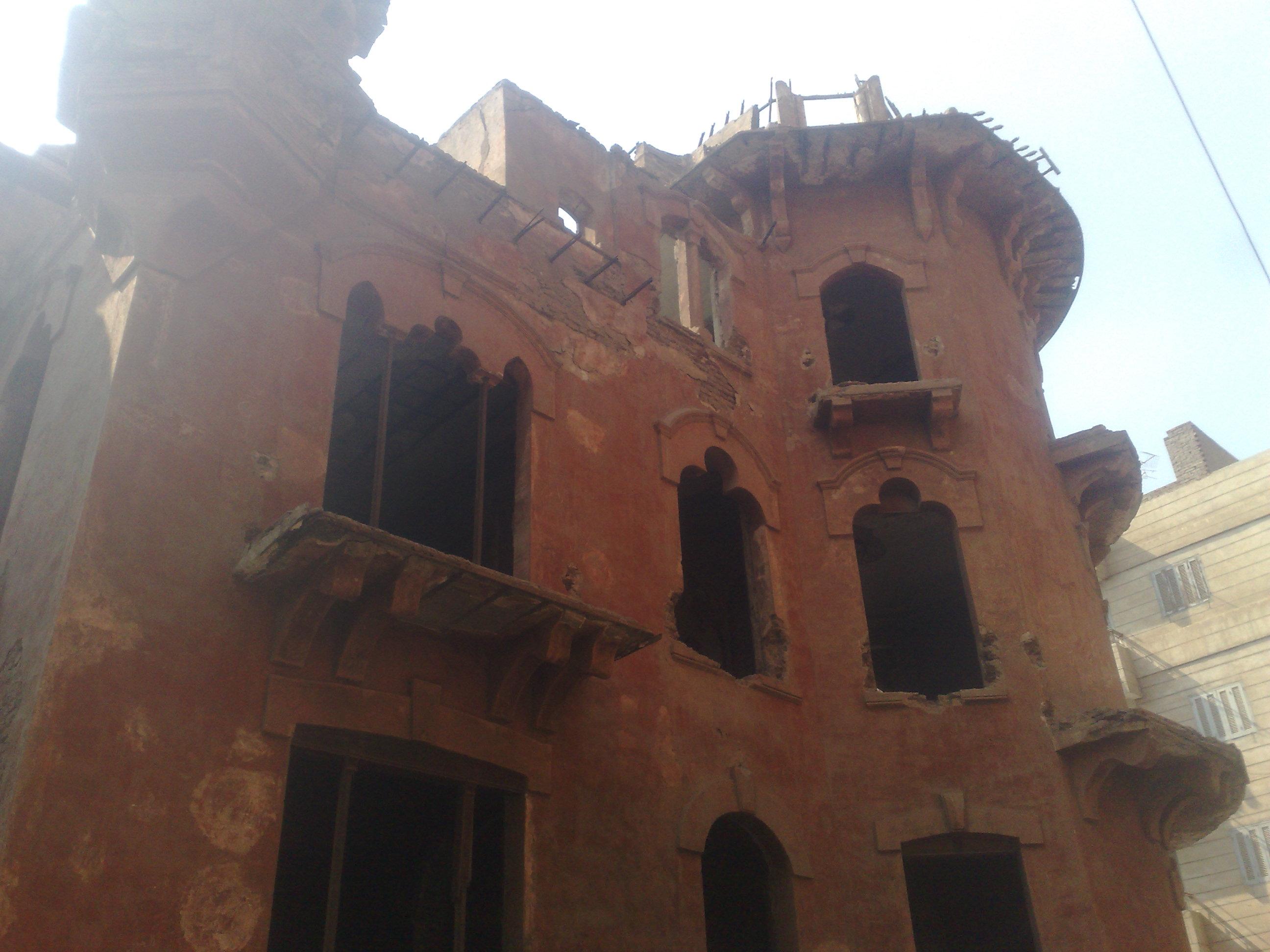 القصر الاحمر بالمنصورة وعلامات الاهمال تظهر عليه (5)