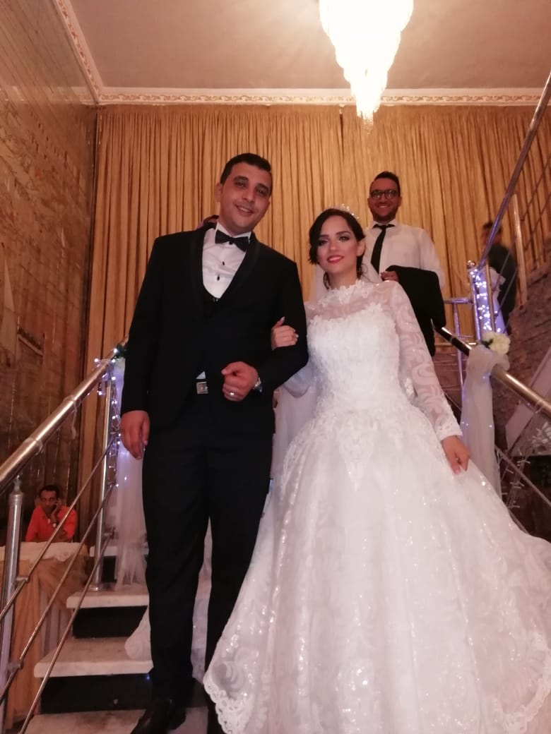 العروسان فى نهاية الحفل