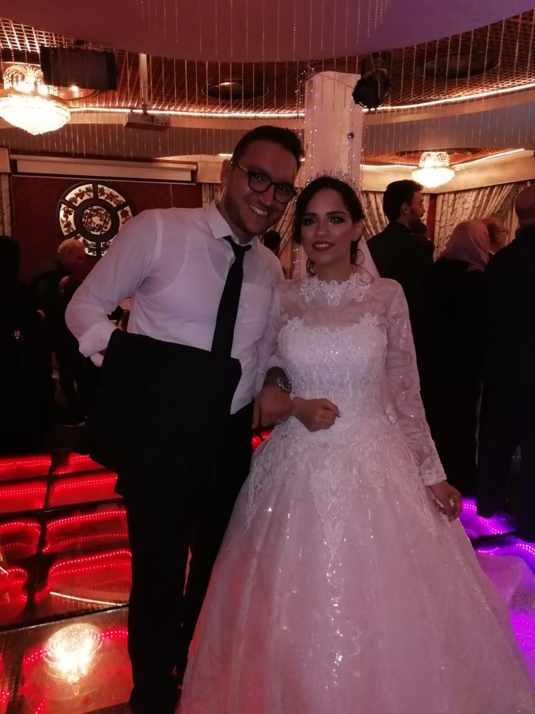 الزميل محمود محيى مع شقيقته الأنسة آية