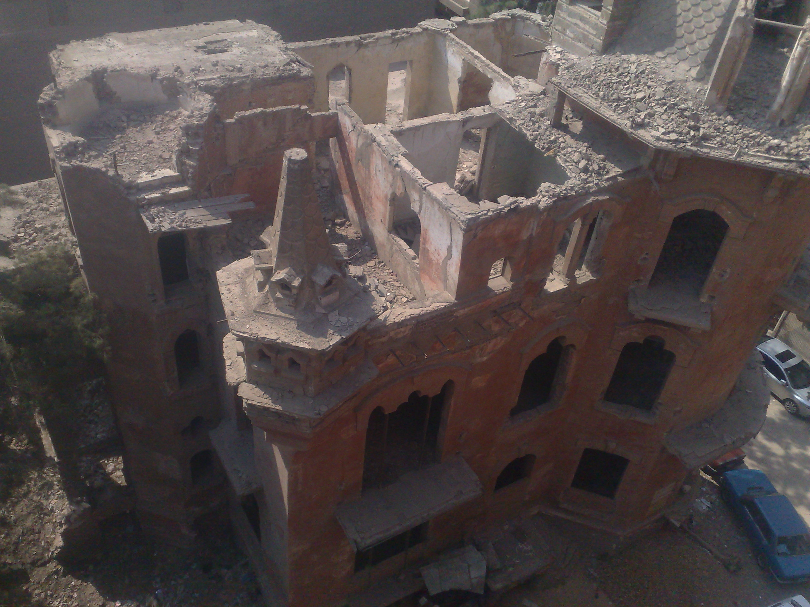 القصر الاحمر بالمنصورة وعلامات الاهمال تظهر عليه (9)