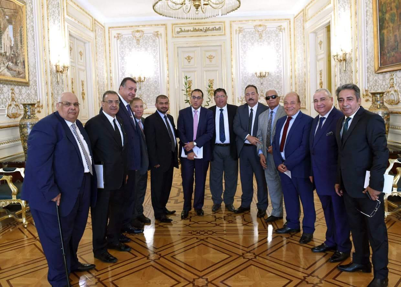 جانب من لقاء رئيس الوزراء مع المستثمرين