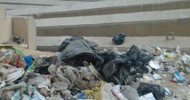 القمامة تحاصر شوارع المعادى