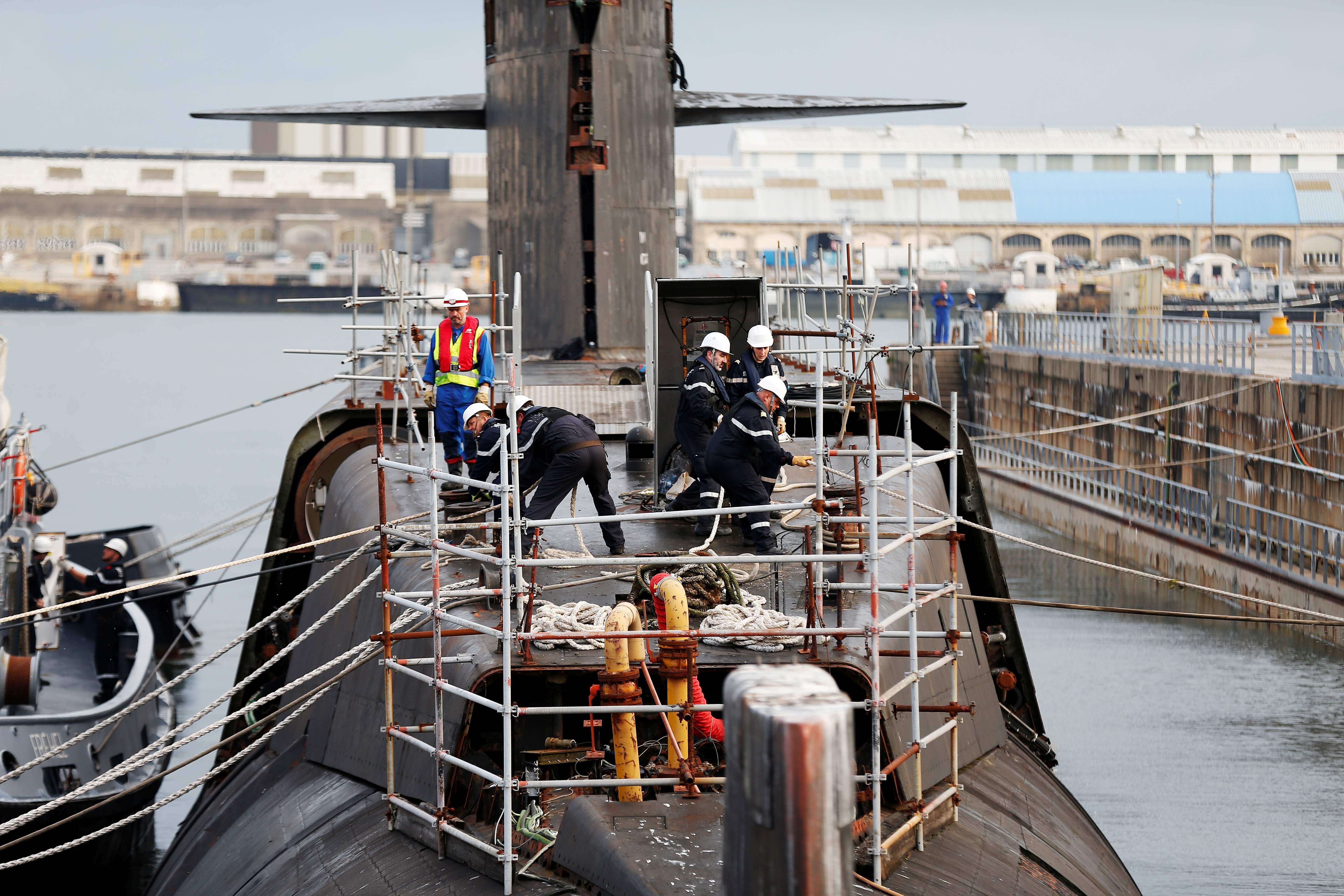 الغواصة المنزوعة منها اسلحتها النووية