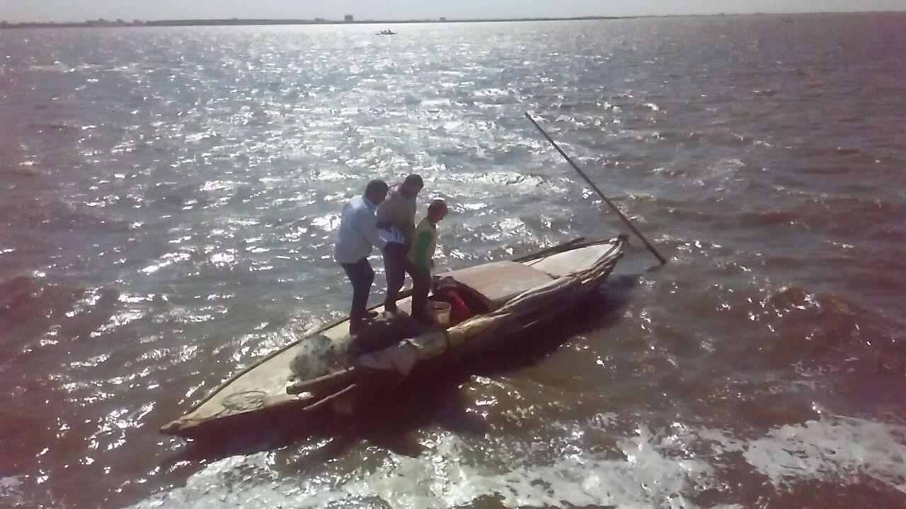 نوع من انواع مراكب الصيد الصغيرة يستخدمها الصيادون للصيد ببحيرة البرلس