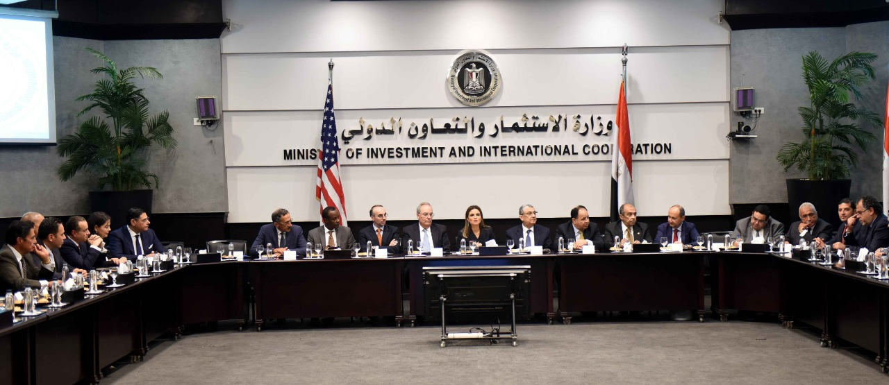 وفود الشركات الأمريكية خلال اجتماعهم مع الحكومة بوزارة الاستثمار